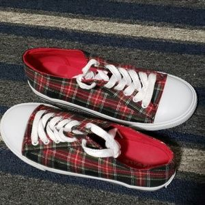 55207044ee5 Gently used low-top plaid shoes size 9